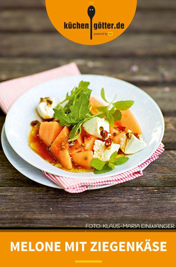 ZIEGENFRISCHKÄSE MIT MELONE - Unser Dreamteam für warme Sommernächte: Ziegenfrischkäse mit Zuckermelone. Chili, Zitronen und Pistazien dürfen natürlich auch nicht fehlen ... Viel Freude mit unserem Rezept.