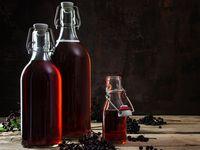 Léčivé dobroty z černých bezinek: šťáva, likér, víno