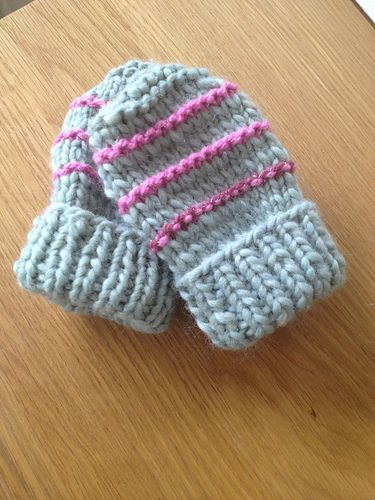 Ravelry: easy knit baby mittens pattern by marianna mel