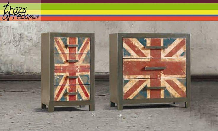 per chi desidera un ambiente caldo con un tocco di #vintage,ecco la soluzione proposta da Dialma Brown - #cassettiera in #legno #trazziarredamenti