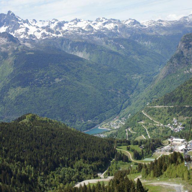 De franse alpen in de buurt van Alpe D'Huez