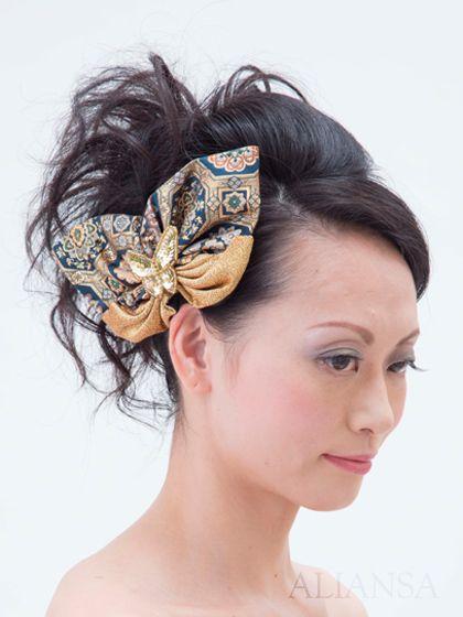 【一点物】濃紺とゴールドの蝶モチーフの和風ヘッドドレス(金襴の髪飾り)