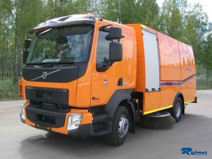 2014-06-02  Levererans av en ny Volvo FLL 4x2 250hk sopmaskin till Brodd-Sweden AB.