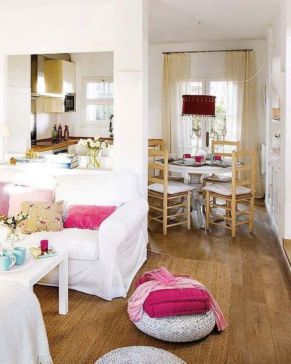 Adorabilă casa asta mică cu încăperi intime și luminoase / adorable rustic house