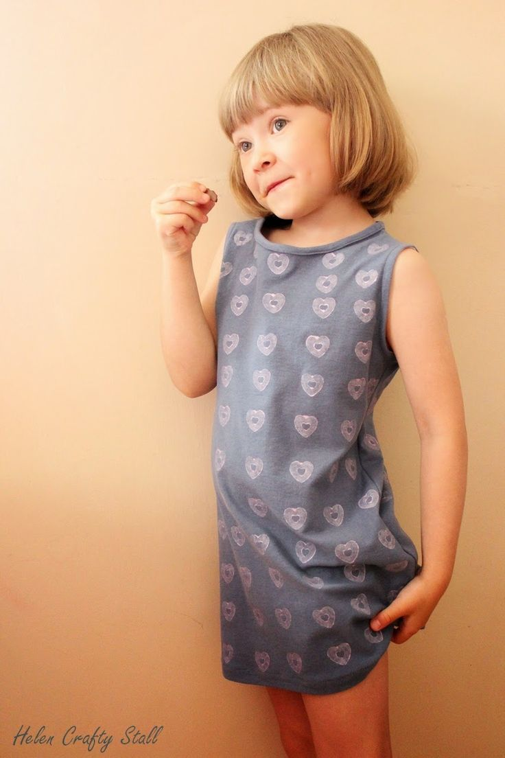Helen Crafty Stall: Hearts printed sundress (free pattern) age 5