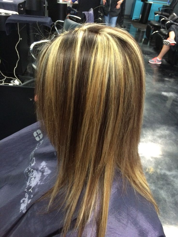 Chunky Blonde Highlights With A Warm Chocolate Brown Pravana Hair Color And Schwarzkopf Bleach