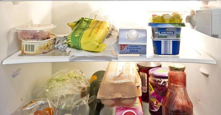 Vor allem ältere Kühlschränke sind echte Stromfresser. Aber auch für neue Geräte gibt es Energiespartipps, die sich lohnen können. Denn nicht nur die Temperatur im Inneren des Kühlschranks ist entscheidend.
