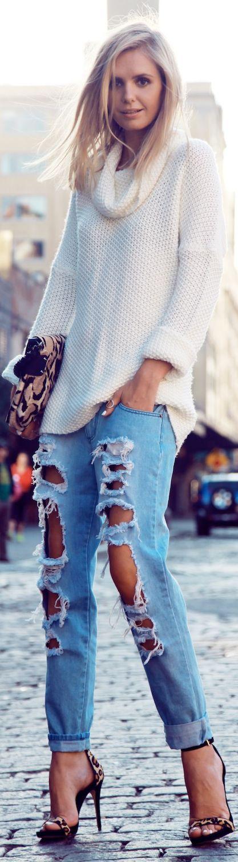 Jeans destroyed + Blusão Tricô = sim, muitoooo sim, porque amamos conforto, elegância e estilo.