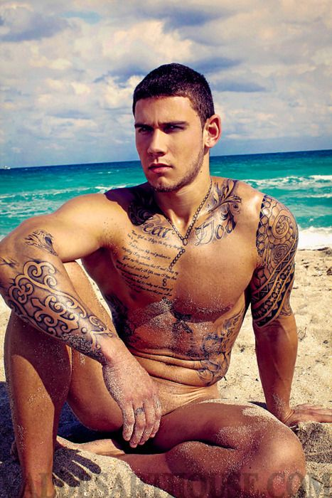 #inked #inkedmag #inkedguys #guyswithtattoos #guys #tattoo #tattoos
