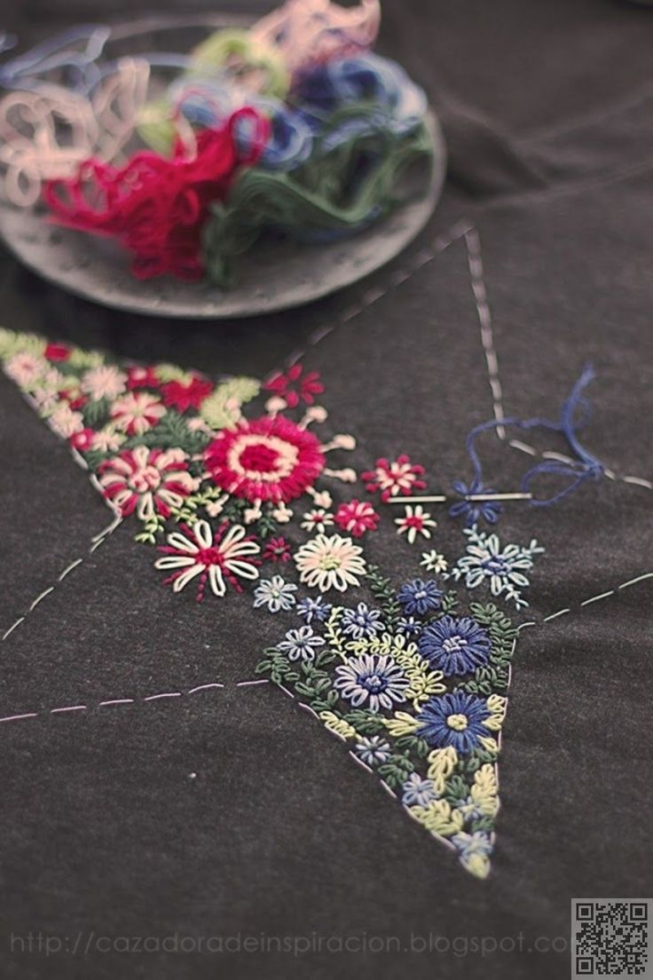 5. Star on a #T-shirt - 34 Embroidery #Patterns You Are Going to Love ... → DIY #Pattern