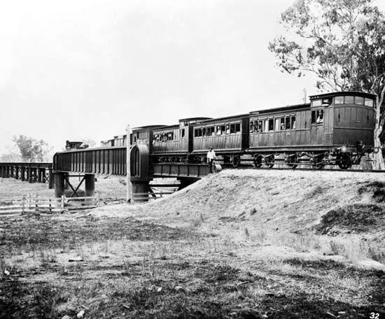 Ovens River rail bridge, Wangaratta, circa 1890. Description: RAIL BRIDGE OVENS RIVERS WANGARATTA APPROX 1890 Date: circa 1890