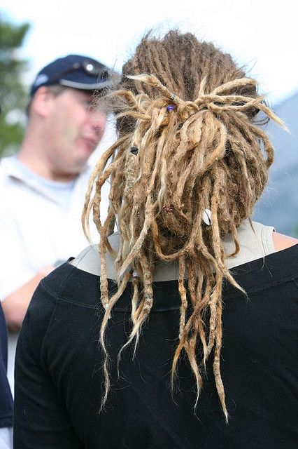 Lots of skinny dreads!