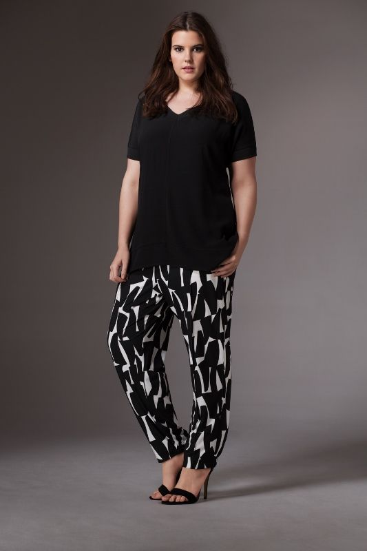 Live Unlimited Columbia Road Geo Trouser with Viscose Easy Tee Top http://liveunlimitedlondon.com/