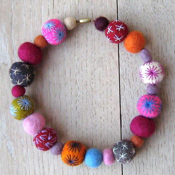 These are so pretty...need to find a tutorial and learn to make them.