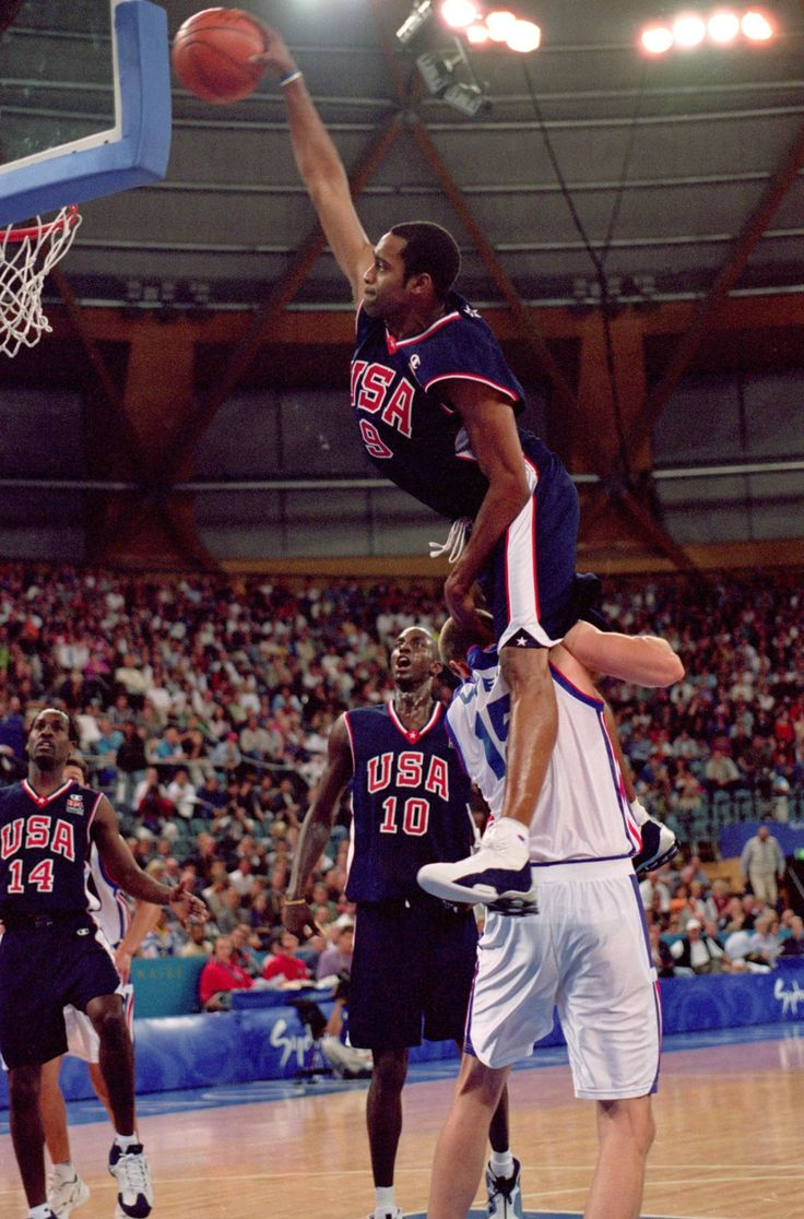 Vince Carter dunking over Frederic Weis during the 2000