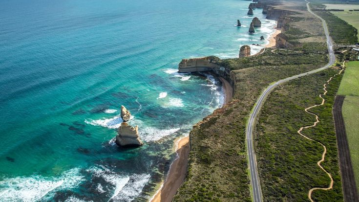 Όνειρο σε τέσσερις τροχούς: Τα πιο εντυπωσιακά road trips του κόσμου