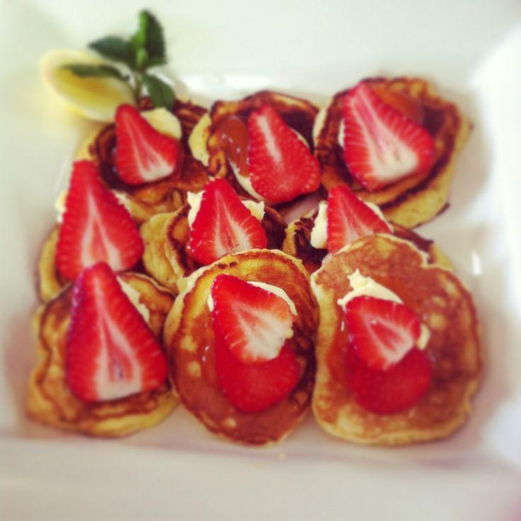 Ricotta & lemon hot cakes.
