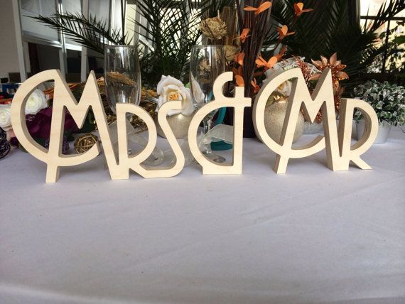 Gatsby style Art deco wedding signs Mr. & Mrs. wooden von SunFla