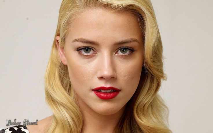 Amber Heard ... Heard's first starring role came in 2007 on the CW television show Hidden Palms.