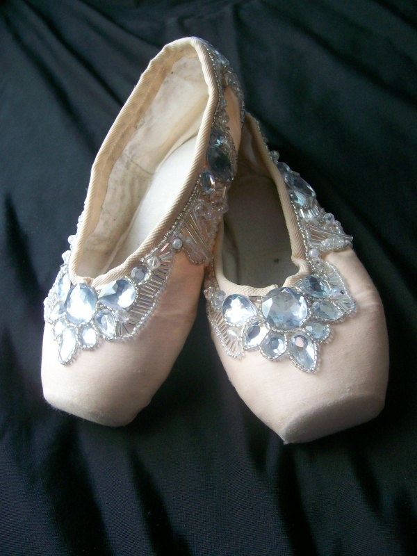 Pointe Shoe Gallery - Pointe Creations