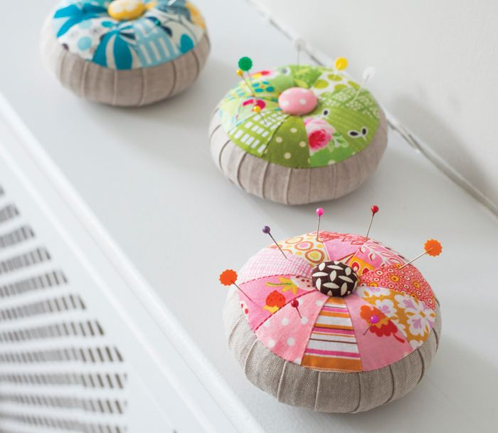 Try this free sewing pattern for a pincushion. It's the perfect project to use up some of your fabric scraps! This free pattern is really easy to follow...