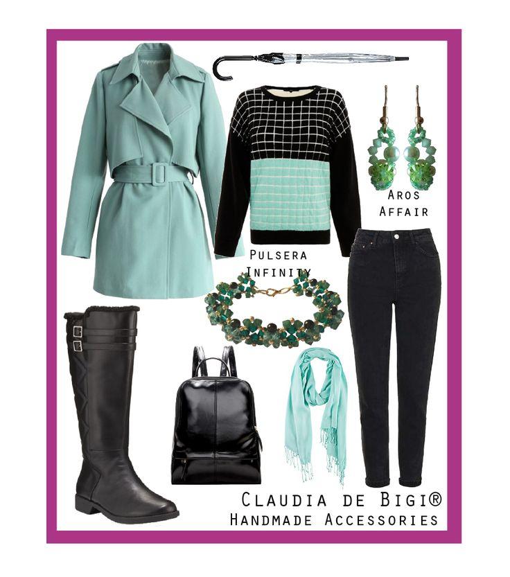 Sweater mint y negro, pantalón negro, trench mint, botas de lluvia, mochila impermeable, aros y pulsera con cristales Swarovski. Otoño 2016