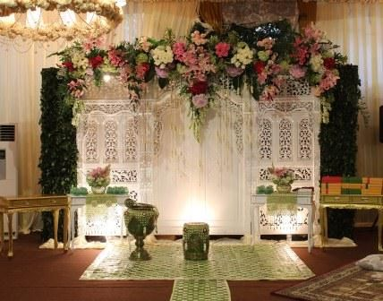 58 best creative chair decor ideas images on pinterest wedding carving wood as decoration siraman junglespirit Images