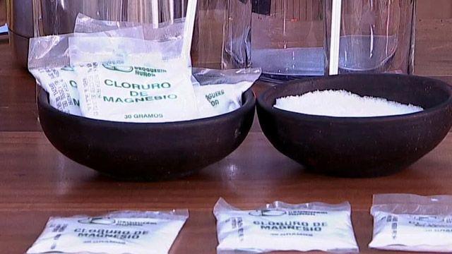 El cloruro de magnesio es un compuesto mineral que posee múltiples beneficios para nuestra salud, entre ellos: combate la fibromialgia, los cálculos renales, el estrés, la ansiedad y la obesidad. Para hablar más sobre este tema nos acompañó el doctor Ricardo Soto. ¡Mira!