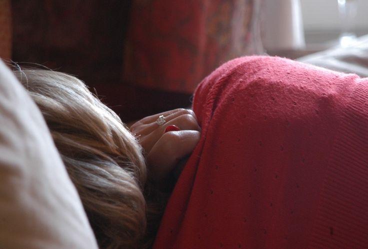 Uczucie zmęczenia, pogorszony nastrój, problemy z zasypianiem – to wszystko objawy syndromu chronicznego zmęczenia. Pomocne w walce ze schorzeniem mogą okazać się zmiana stylu życia i zdrowsze odżywianie.