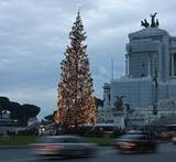 Christmas season in Italy is traditionally celebrated December 24-January 6, or Christmas Eve through Epiphany. @Fontanini