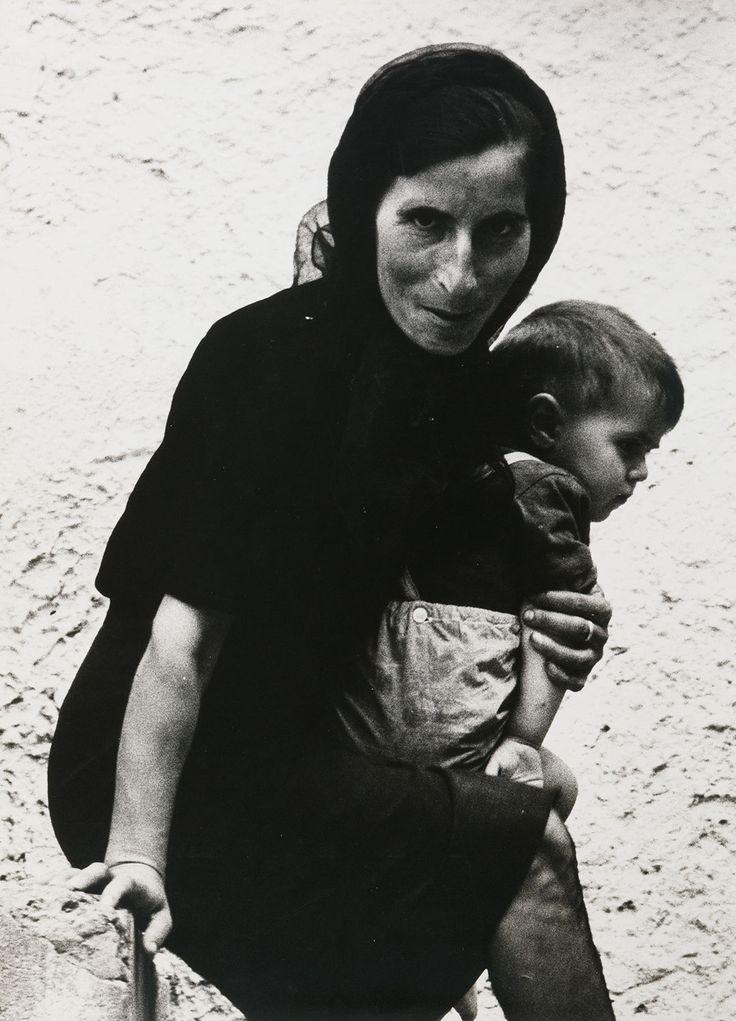 Tricarico (Basilicata), 1967 - Mario Cresci (Chiavari 1942 - ...)   #TuscanyAgriturismoGiratola