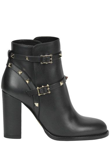 Buy Valentino Boots and Ankle boots on glamest.com Fashion Outlet, select the Valentino Rockstud leather ankle boots of your choice up to 40% off.