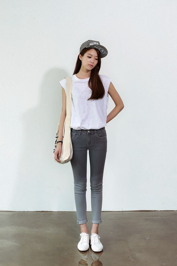 asian fashion awesome ombre jeans and cute cap