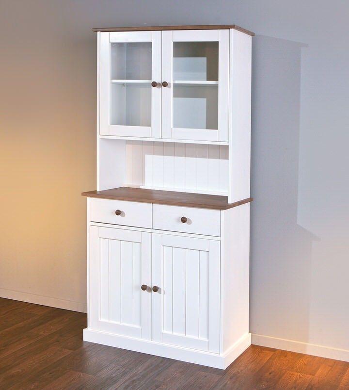 Deklassieke Buffetkast Westerland Smallis een bijzonder item in je woonkamer of eetkamer. Het meubel heeft een strak en stijlvol ontwerp. De buffetkast is ontworpen door het bekende merk Interlink SAS en behoort tot de woonkamerserie Westerland.