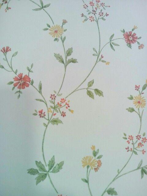 Behang met brocante bloemetje