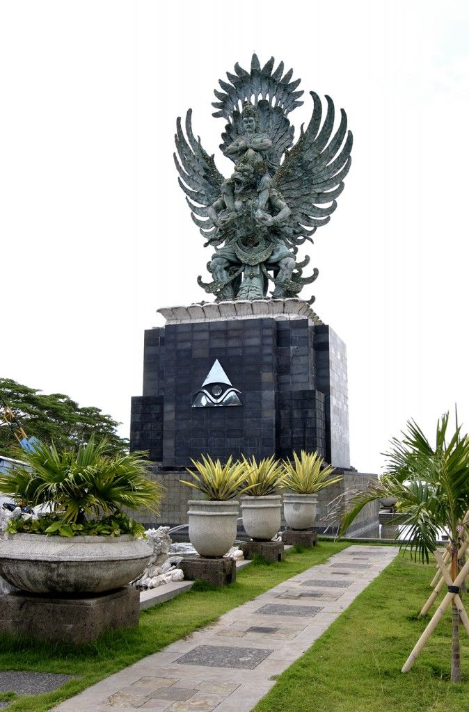 Bali Beauty | visit this legendary monument Garuda Wisnu kencana, one of the must visit place on your holiday to Bali