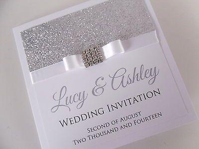 Convite de #casamento com muito brilho e laço de cetim.