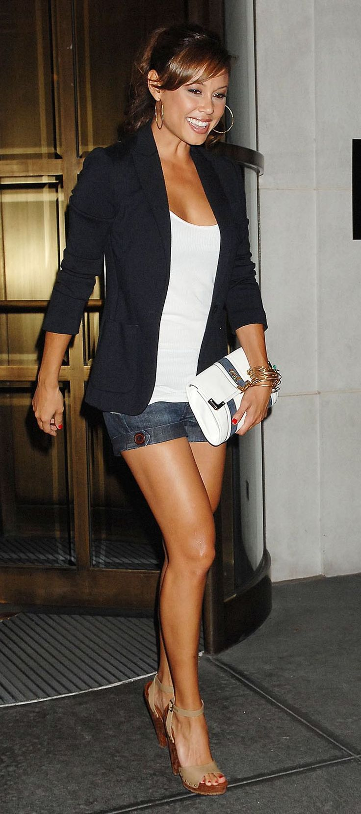Love these kind of outfits - blazer on top, shorts on bottom.