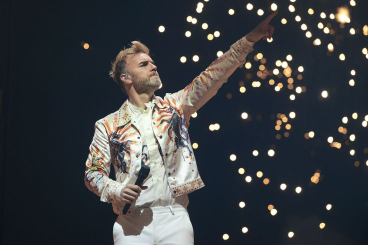 Gary Barlow has dyed his hair platinum blonde and it's like we're in the '90s again - DigitalSpy.com