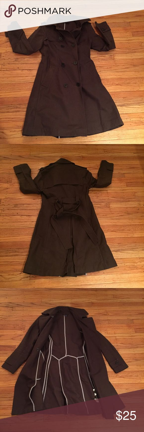 Size: S // GAP Brown Trench Coat Size: S // GAP Brown Trench Coat // 100% Cotton // Shows very minor signs of wear // GUC GAP Jackets & Coats Trench Coats