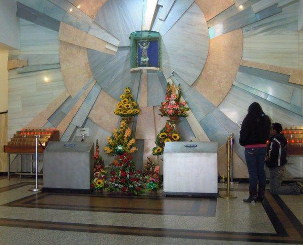 Iglesia del 20 de Julio en Bogotá: Muchos Pidiendo Milagros