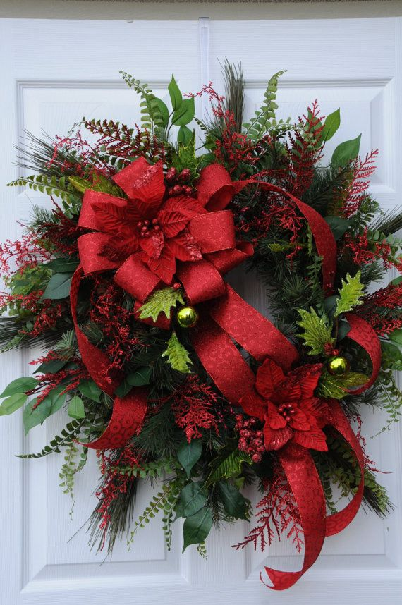 Christmas Pointsettia Wreath by HeatherKnollDesigns on Etsy