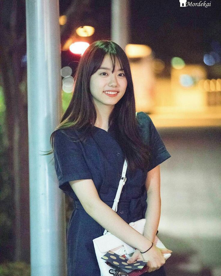 Kim Sohye - IOI Um zoom nessa fofura, pra ver melhor os detalhes!