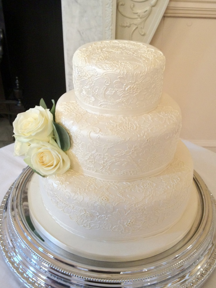 piping wedding cake designs 3 tier wedding cake with lace piping detail wedding 18614