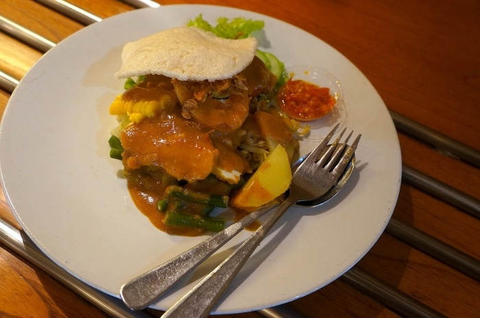 Small in portion but I found this is the best gado gado in Bandung from Cafe Bali. Photo by Icha Rahmanti.