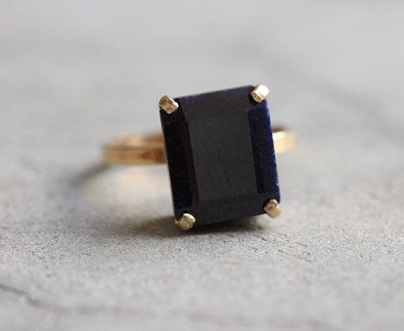 Hey, I found this really awesome Etsy listing at https://www.etsy.com/listing/203033891/engagement-ring-18k-gold-blue-sapphire