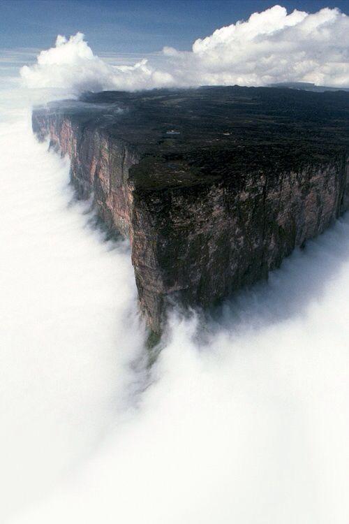 Mount Roraima, Plateau in South America-15 Beautiful Photos of Amazing Waterfalls