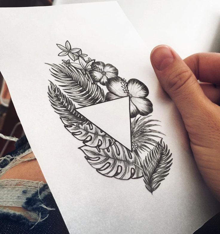 Tropical Mood • • • #helenalloretart #flower #flowers #flowertattoo #floweredtattoo #tattoo #tattoos #tattooing #ink #inked #palmtree #palmtreedesign #palmtreetattoo #leavetattoo #leaves #leave #artwork #ideascreativas #symmetryart #art #arte #artist #artista #triangle #triangletattoo