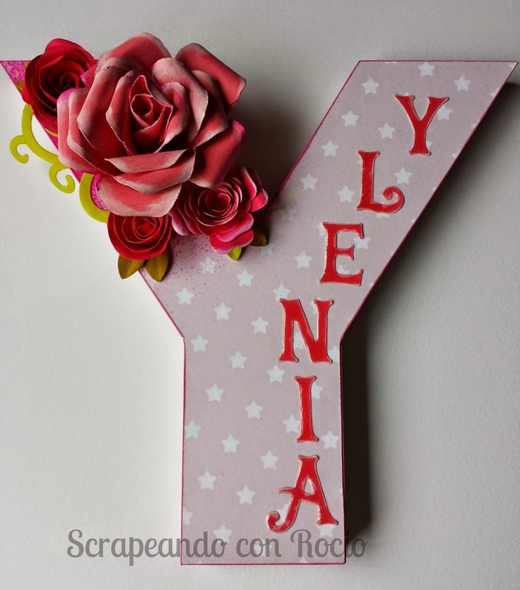 Letra decorada. Decorated letter for a baby girl.