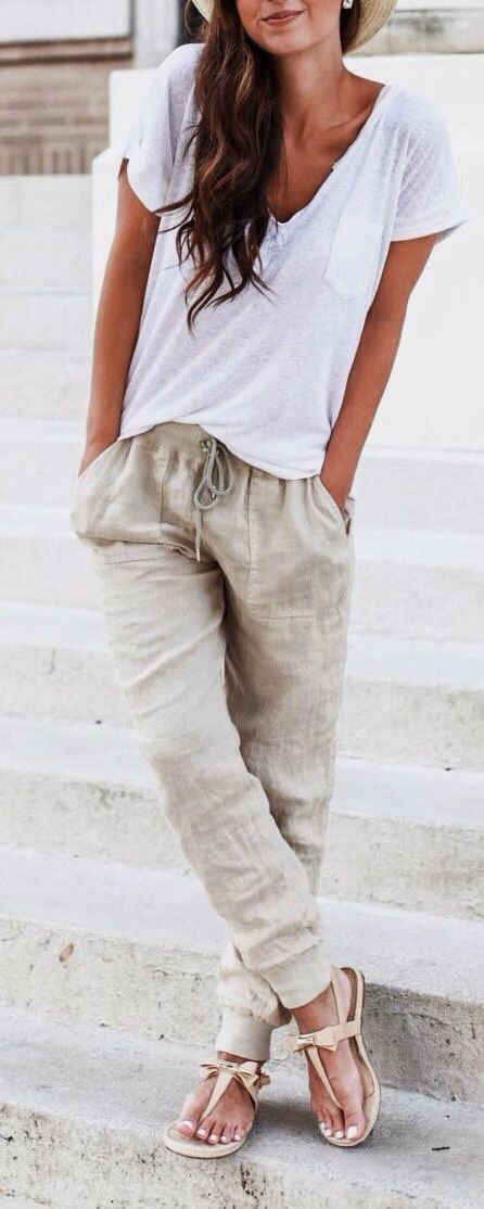 white loose tee and linen Hudsons